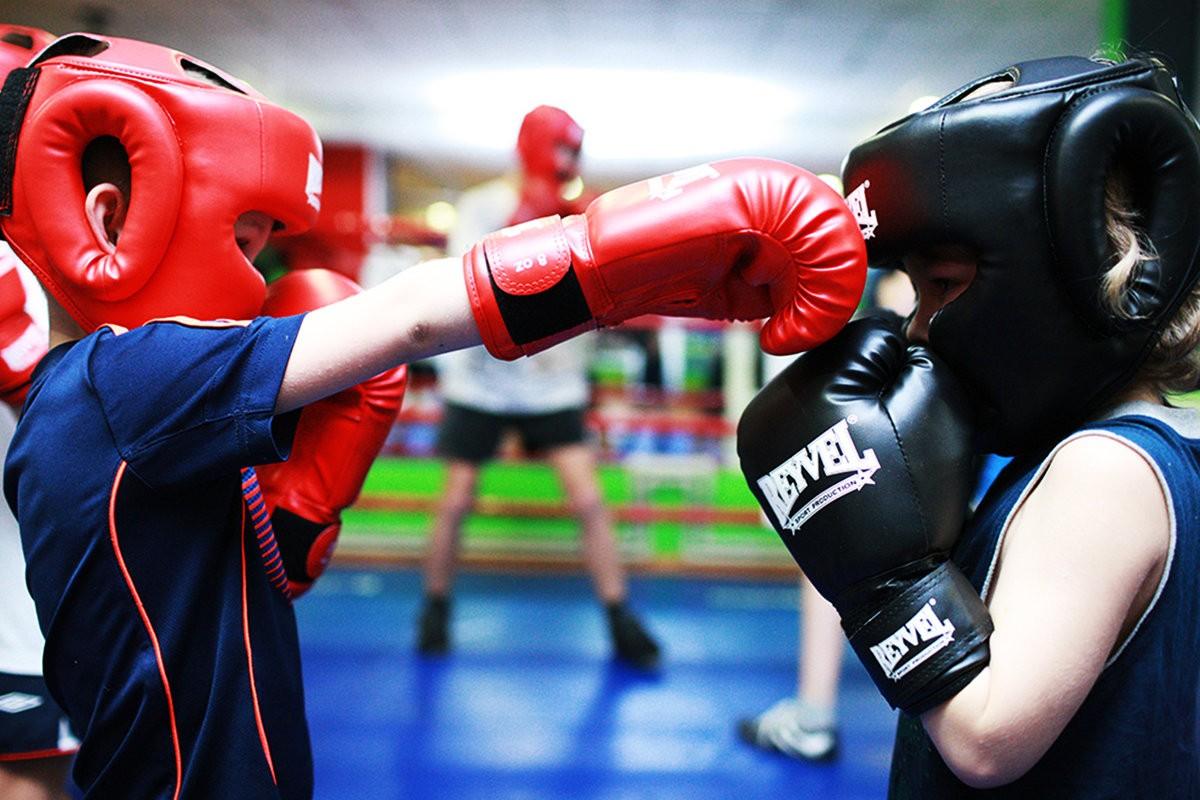 Занятия боксом для взрослых и детей